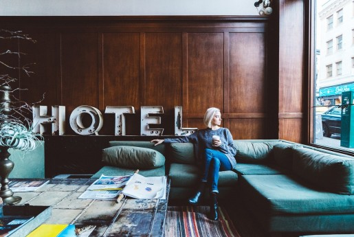 "Airbnb登録物件数が400万件へ 世界最大の""ホテル""企業に〜民泊専門メディア Airstair"