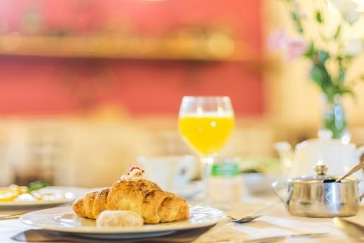 Airbnbゲストは世界中のレストランで年間65億米ドルを消費〜MINPAKU.Biz