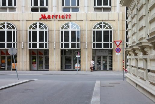 【速報】世界最大のホテルチェーン「マリオット」が民泊市場に参入 Airbnbに挑戦状〜民泊専門メディア Airstair