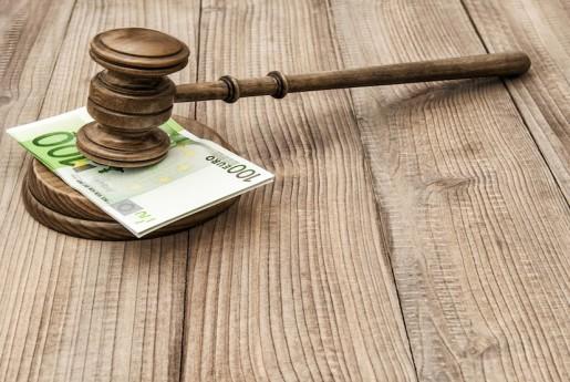 民泊新法後、初の無許可営業摘発。たかが15万円で捕まる末路。 〜民泊メール代行をどこよりも安く、速く、熱く!