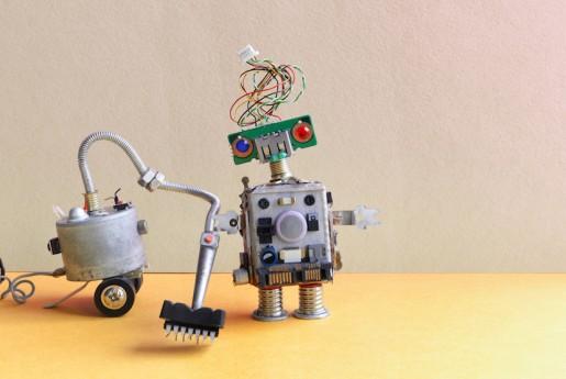 客室の清掃に使えそう│お掃除ロボットのルンバ、新作はゴミ捨てまで自分でするように! 〜旅館やホテルのネット販売のお悩みやお困りごとをサクッと解決!