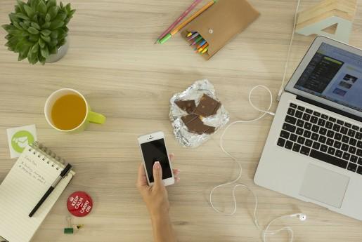 Airbnb、モバイルアプリに新たな機能「セーフティ・センター」導入~MINPAKU.Biz.