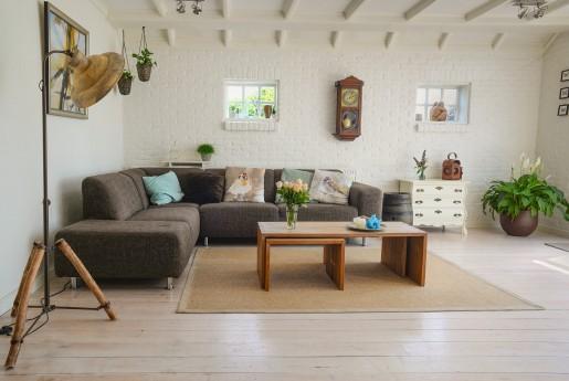 Airbnb、家具付きサービスアパートメントのUrbandoor買収 創業から11年で21社目の買収~Airstair